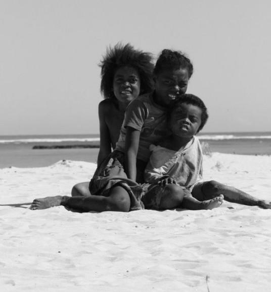 Terre de contraste aux multiples visages.Madagascar offre au Quadeur ,amateur d'aventure et de d�couverte ,tout l'embarras du choix